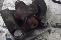 160 u joints coming apart - note the rust