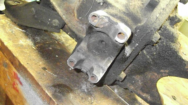 198 rear end yoke frozen U bolts removed