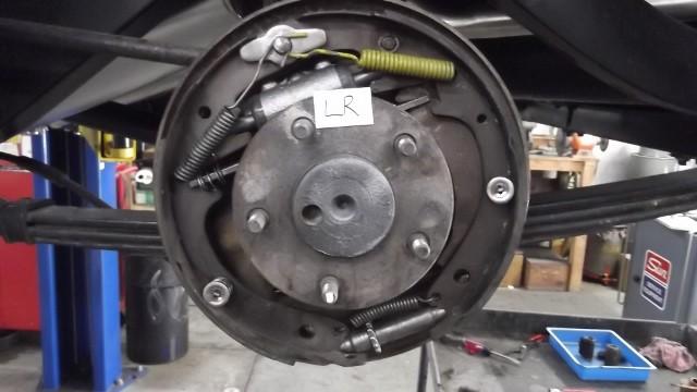 137 LR brake assembled - new wheel cylinder