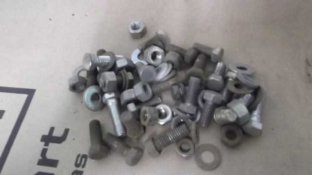 176 bolts sorted for plating