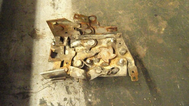 247 rh door latch assembly removed