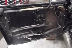 219 LH door panel removed