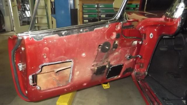 185 LH door panel removed