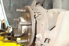 119 LR axle with brake removed - note parking brake shoes and hardware are missing - only thing left is scissor at top