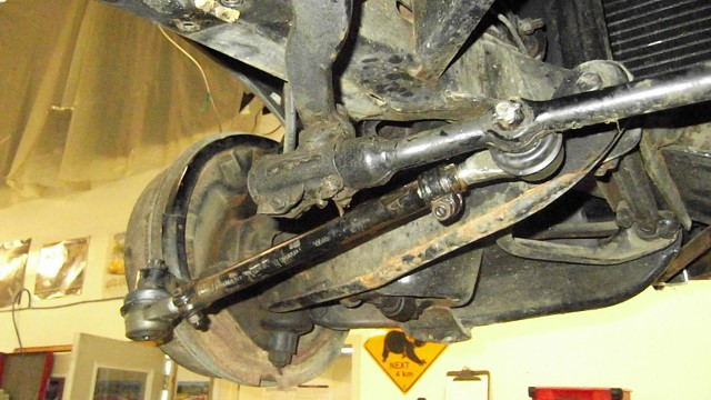 215 LH tie rod in correct orientation with new tie rod ends