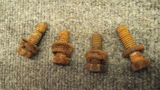256 condition of most bolts - most need blasted and chased prior to install