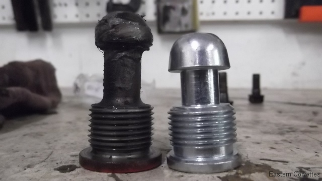 114a clutch fork ball stud removed compared to new correct one